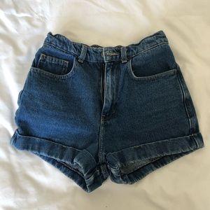 American apparel shorts!!